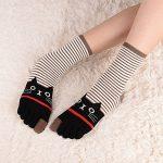 Chaussettes 5 doigts Femme avec orteils multicolores drôle chat de dessin animé animaux, 5 paires de la marque CaiDieNu image 3 produit