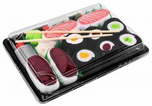 Sushi Socks Box - 5 paires de Sushi CHAUSSETTES en Coton: Saumon Thon Nigiri Concombre Oshinko Thon Maki - CADEAU CRÉATIF, Tailles UE: 36-40, 41-46| Bonne qualité - Certifié OEKO-TEX, made in UE de la marque Sushi-Socks-Box image 0 produit